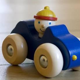 Spielzeug Aus Holz Gehört In Jedes Kinderzimmer   Holzspielzeug, Baby  Kinderzimmer